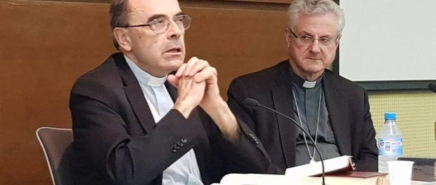 Trobada del cardenal Barbarin amb preveres joves i seminaristes